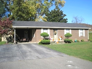 SOLD!  24 Cardinal Heights,  Wmsbg. 3 bdrm brick ranch | REDUCED!  $99,500