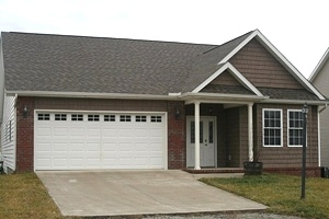 SOLD! 20 LOLLIE DRIVE, WMSBG | Southern Way sbdv.; 1.5 story, 3 or 4 bdrm., 3 baths, level lot