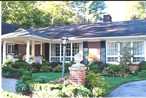 43 Florence Ave, Wmsbg | Gorgeous home on 1.3 beatifully landscaped acres $335,000
