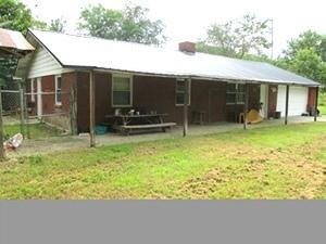 372 Verne Rd | Brick frame home, 3 bdrm, 1 bath, central heat/air, metal roof, 816 sf, 1.5 acres+-.  $38,500