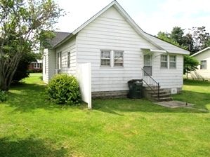 Sale Pending! 326 Front St., Wmsbg   This 2 bdrm frame home is located near the University of the Cumberlands and downtown Williamsburg.