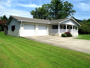 REDUCED  44 Cardinal Hts., Wmsbg | well maintained 1964 sf +/- home in a great location only minutes from downtownÜniversity of the Cumberlands & I-75