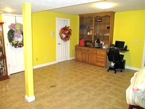 11 Sunrise Circle Lane, Williamsburg | 3 bdrm brick, 1.36 acres, 2 car garage