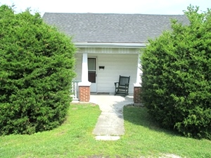 Sale Pending! 326 Front St., Wmsbg | This 2 bdrm frame home is located near the University of the Cumberlands and downtown Williamsburg.