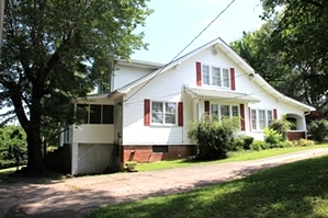 SOLD |  859 N Hwy 25w, Williamsburg | 4 bdrm frame house w/many features from the mid 1900's,