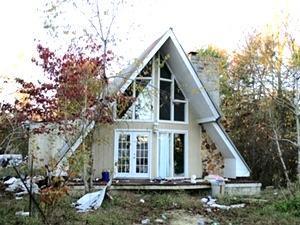 Sold! 2036 Hwy 204 W, Williamsburg | 3 bdrm modified A-frame and 2 acres, needs work but has potential.