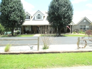 52 Mill Creek Road, KeavY | A must see 6000 SF +/- home sitting on 6.72 acres only 4.8 miles from exit 29 off I-75.