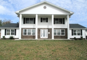 2640 N HWY 25w |  A TWO-STORY COLONIAL STYLE BRICK/VINYL SIDED HOME -  FEATURING 5 BEDROOMS, FORMAL DINING RM.,